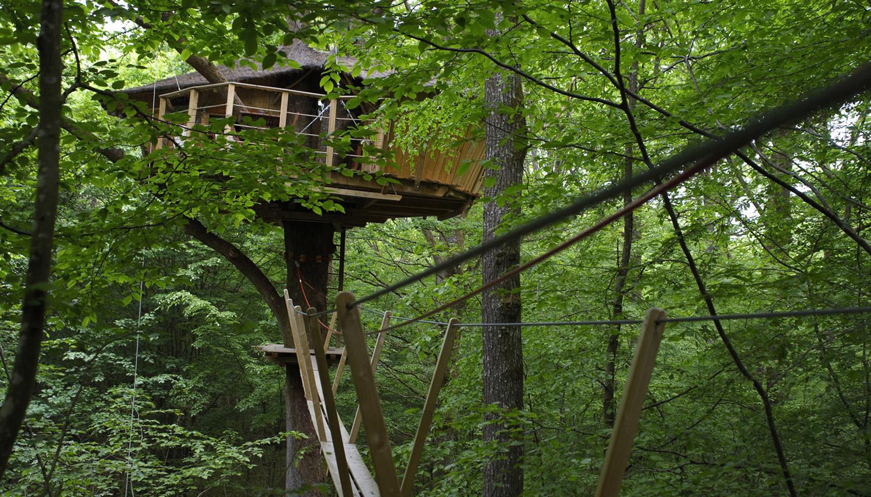 Cabanes dans les arbres dans le perche location cabane for Se balader dans les yvelines